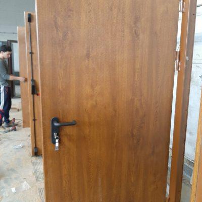 Дверь с Мдф дуб